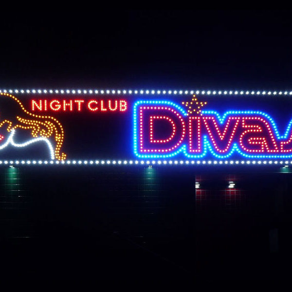 Rotulo de leds vistos encendido progresivo night club divas