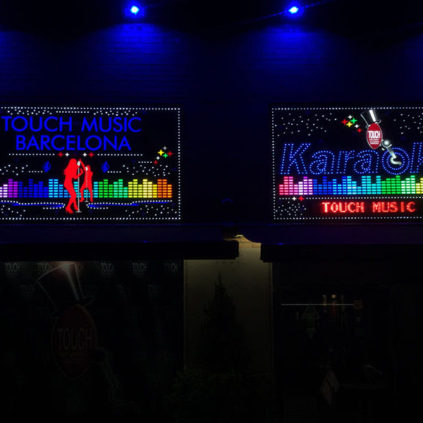 Instalación de Rótulo tipo flash karaoke Barcelona
