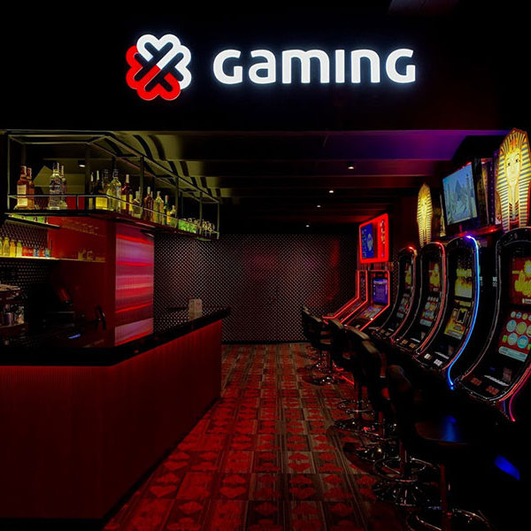 Rótulo luminoso salón de juego Gaming en Barcelona
